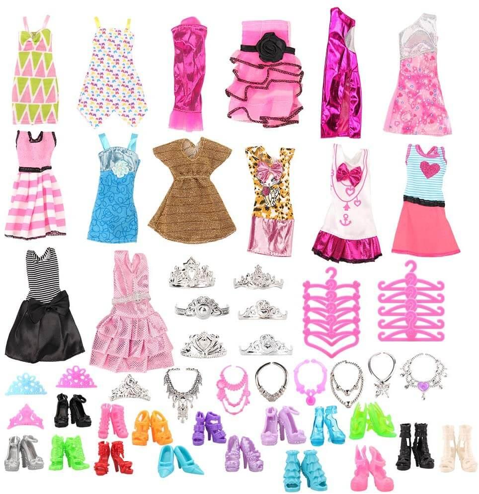 Apperçu des nombreux accessoires fournis avec le Dressing - Valise pour poupée Barbie