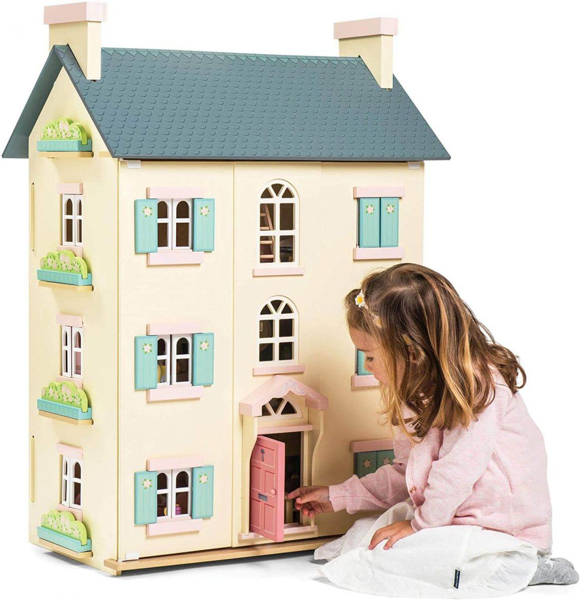 """La Maison de poupée en bois """"Cherry Tree Hall"""" de Le Toy Van, un jouet magnifique et de très grande qualité."""
